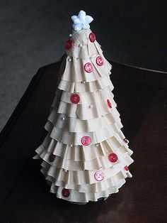 Coffee Filter Christmas Tree | Crafts by Amanda