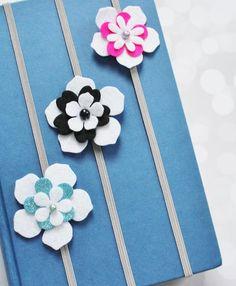 Mooie bloem thema bladwijzers. Klaar om te verzenden De elasitc maatregelen ca. 18 inch verband. Mijn creaties komen uit een rook-vrije omgeving.