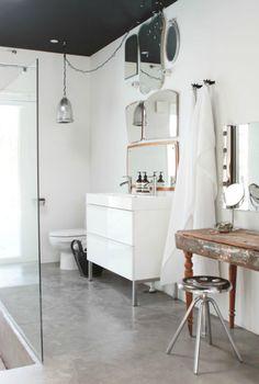 How to get inspiration for the bathroom - Home Design & Interior Ideas Concrete Wood, White Concrete, Concrete Floors, Polished Concrete, Concrete Bathroom, Laundry In Bathroom, Bathroom Mirrors, Vanity Mirrors, Family Bathroom