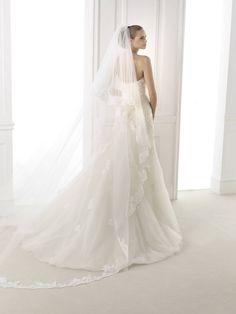 Budapest, Wedding Dresses, Collection, Fashion, Boyfriends, Bride Dresses, Moda, Bridal Gowns, Alon Livne Wedding Dresses
