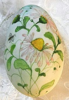 Here are some craft ideas on cool and small Easter egg gifts for any age presented below; these cool and small Easter egg craft are unique and treasure to find as these eggs where painted by Marika Benatti.