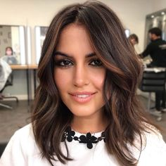 Caramel Brown Hair Color, Brown Hair Colors, Hair Color Ideas For Dark Hair, Hair Ideas, Hair Color For Women, Cabello Color Chocolate, Dark Chocolate Brown Hair, Chocolate Brunette Hair, Dark Brunette