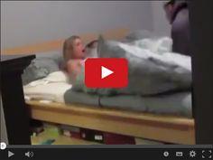 Przyłapana z facetem w łóżku w serwisie www.smiesznefilmy.net tylko tutaj: http://www.smiesznefilmy.net/przylapana-z-facetem-w-lozku