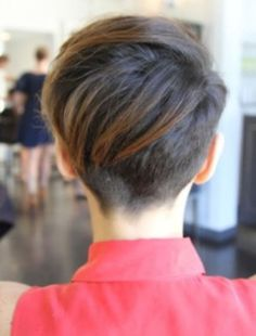 Cool back view undercut pixie haircut hairstyle ideas 44