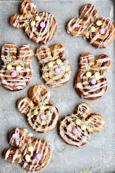 These adorable Bunny Cinnamon Rolls are so easy to make and would be such a special treat to make for Easter! Easter Snacks, Easter Treats, Easter Recipes, Easter Desserts, Easter Breakfast Recipes, Easter Food, Breakfast Bake, Easter Dinner, Easter Brunch