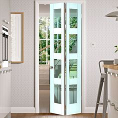 The Calypso Cayman White Primed Bi-fold Door is supplied with four panes of clear safety glass per leaf making a space-saving option which will also maximise natural light levels in your home. #glazedbifolddoors #internalbifoldwhitedoor #glazedwhiteinternalbifolddoor