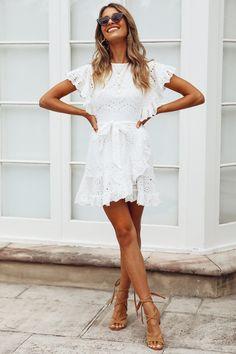 Timeless Black and White Outfits - Летняя одежда - Graduation Dress Grad Dresses, Sexy Dresses, Cute Dresses, Dress Outfits, Short Dresses, Summer Dresses, White Dress Outfit, White Ruffle Dress, White Boho Dress
