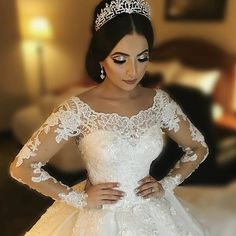 """fada67b54637 𝐁𝐫𝐢𝐝𝐚𝐥 𝐒𝐭𝐲𝐥𝐞𝐬 𝐁𝐨𝐮𝐭𝐢𝐪𝐮𝐞 on Instagram  """"Yesterday s  stunning princess bride Raouia...glowing in her  crystaltiara by   BridalStylesBoutique ..."""
