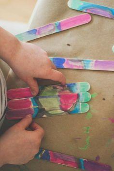 DIY Craft Stick Puzzle via Honesttonod.com