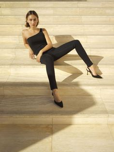haute couture fashion Archives - Best Fashion Tips Workwear Fashion, Office Fashion, Suit Fashion, Fashion Shoot, Fashion Dresses, Girl Fashion Style, Fashion Beauty, Fashion Blogs, Fashion Trends