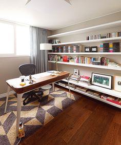 오래된 아파트의 변신, 취향을 담은 프렌치 인테리어 : 네이버 매거진캐스트 Room Interior, Interior Design, Other Space, My Room, Corner Desk, Living Room, House, Gaming Setup, Furniture