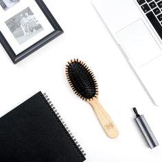 ¿Fin de semana fuera de la ciudad? Entre los esenciales para poner en la maleta, ¡no olvides tu cepillo Tek! Brushes, Piglets, City