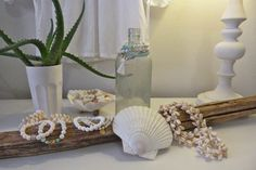 beachcomber Beach Shack, Healing Crystal Jewelry, White Shop, Diy And Crafts, Table Decorations, Interior Design, Furniture, Color, Sea