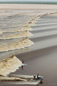 Rio Amazonas - surfando a Pororoca