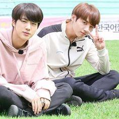 Jungkook And Jin, Bts Bangtan Boy, Bts Funny Moments, Worldwide Handsome, Bts Boys, Jikook, Jung Hoseok, Seokjin, Boy Groups
