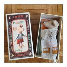 Exciting dollhouse diy - check out our guide for a whole lot more plans!