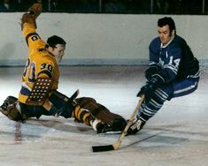 Toronto Maple Leafs History - Dave Keon helped bring the cup to Toronto in the Ice Hockey Teams, Hockey Goalie, Hockey Games, Hockey Stuff, Hockey Mom, Nhl Shop, Maple Leafs Hockey, Los Angeles Kings, National Hockey League