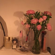 Home Decor Luxury grafika flowers and aesthetic.Home Decor Luxury grafika flowers and aesthetic Flower Aesthetic, Pink Aesthetic, Bedroom Inspo, Bedroom Decor, Black Haircut Styles, Aesthetic Rooms, No Rain, Room Goals, Home And Deco