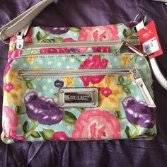 Relic Crossbody Bag Perfect for spring and summer crossbody bag. Floral print and very spacious. Brand new with tags! Never worn. Relic Bags Crossbody Bags