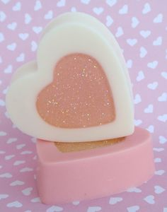 These girly hearts are a perfect way to tell someone you love them this Valentines Day! Scented with a unique blend of Passionfruit Rose.