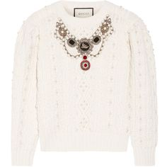 Gucci Embellished cable-knit wool and cashmere-blend sweater (172.975 RUB) ❤ liked on Polyvore featuring tops, sweaters, cream sweater, embellished sweater, chunky white sweater, wool cable knit sweater and cream cable knit sweater