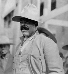 Noviembre 17 de 1910    Francisco Villa inicia la revolución mexicana en el Estado de Chihuahua.     #Memoria #Politica de #Mexico   http://memoriapoliticademexico.org/Efemerides/11/17111910.html
