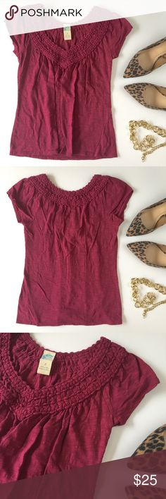Antrhopologie Boho Tee In excellent condition. Anthropologie Tops Tees - Short Sleeve