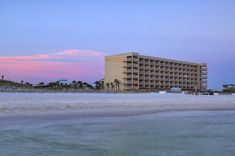 Four Points by Sheraton Fort Walton Beach | Family-Friendly Hotel Destin Hotels, Florida Hotels, Destin Florida, Florida Beaches, Fort Walton Beach Hotels, Fort Walton Beach Florida, Vacation Resorts, Florida Vacation, Boat Rental