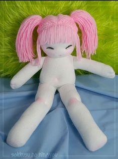 Cómo hacer una muñeca de calcetín  artículo de Karen Variety.com    Es fácil de hacer muñecas de medias viejas.Estos tipos de peluche ...