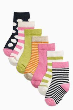 Kaufen Sie Bunte Socken in vollen Farben, gestreift und gepunktet, Siebenerpack (Jüngere Mädchen) heute online bei Next: Deutschland