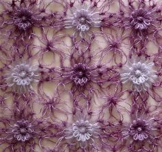 Ravelry: Solomon's Knot Join for Flower Looms pattern by Sarah Bradberry  Gorgeous free pattern (and explanation/demo of the stitch used)