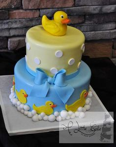 @KatieSheaDesign ♡❤#Cake ❥  Duck-Baby-Shower-Cake