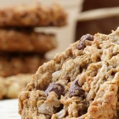 Copycat Potbelly Oatmeal Chocolate Chip Cookies -- Well if these are anything like the orriginals...