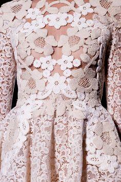 weneedfashion: Valentino Spring 2012 Haute Couture Details