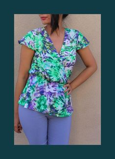 Free sewing pattern from Wardrobe BY Me. The Hera summer shirt and wrap top PDF sewing pattern. Try a high quality free pattern in sizes / Maternity Sewing Patterns, Sewing Patterns Free, Free Sewing, Pattern Sewing, Fabric Patterns, Top Pattern, Free Pattern, Blouse Patterns, Summer Shirts