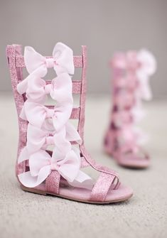 Joyfolie – Alexa Bow Boot in Pink – Baby For look here Little Girl Shoes, Cute Baby Shoes, Baby Girl Shoes, Little Girl Fashion, Cute Baby Girl, Toddler Fashion, Fashion Kids, Baby Love, Girls Shoes