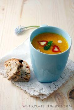 White Plate: Zupa: Krem marchewkowo-pomarańczowy White Plates, Carrots, Pudding, Orange, Cream, Desserts, Food, Recipies, Creme Caramel