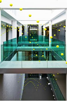 Interesting and Spectacular Art-Installation from 2000 Tennis Balls by Ana Soler