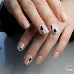 love this abstract polka dot nude nail art mani Nail Manicure, Gel Nail Art, Gel Nails, Funky Nail Art, Funky Nails, Stylish Nails, Trendy Nails, Nail Design Stiletto, Beauty Hacks Nails