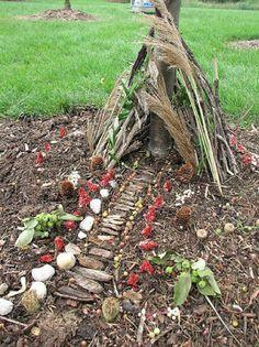 how to build fairy houses! how to build fairy houses! how to build fairy houses! Fairy Garden Houses, Fairy Gardens, Fairy Houses Kids, Fairy House Crafts, Garden Art, Fairy Village, Fairy Furniture, Ideias Diy, Outdoor Learning