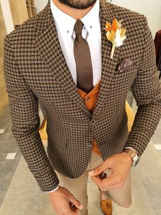 Mens Fashion Suits, Mens Suits, Male Fashion, Chihiro Cosplay, Scarf Display, Classy Suits, Business Casual Attire, Fitted Suit, Wool Suit