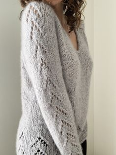 Sweater Knitting Patterns, Knit Patterns, Cashmere Color, I Cord, Lace Sweater, Crochet Patterns For Beginners, Top Pattern, Pulls, Blouses For Women