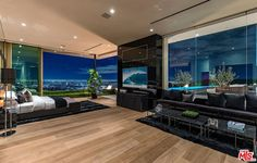 Luxury Home Decor, Luxury Interior, Beverly Hills Mansion, Modern Properties, Home Modern, Modern Mansion, Luxury Homes Dream Houses, Mansions For Sale, Luxurious Bedrooms