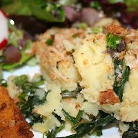 Virtual Farmgirl: First Harvest Dish: Mashed Potatoes & Dandelion Greens Taraxacum Officinale, Dandelion Recipes, Wild Edibles, Edible Plants, Survival Food, What You Eat, Mashed Potatoes, Harvest, Herbalism