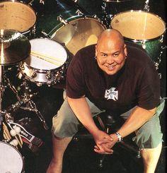 Drummerworld: Abe Laboriel Jr.