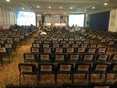 Panorámica del salón del Hotel Dann Carlton de Medellín donde se celebraba el VI Congreso Internacional de Negocios