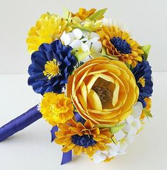 Blue and Yellow Paper Bouquet - Blue and Yellow Wedding Bouquet - Handmade Paper Flower Bouquet - Designed by Anna Fearer Paper Flower Centerpieces, Paper Flowers Wedding, Flower Bouquet Wedding, Flower Bouquets, Coral Wedding Themes, Yellow Wedding, Paper Flower Tutorial, Flower Paper, Diy Flower