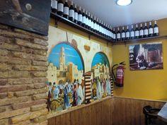 La Viña es un pequeño establecimiento situado en la calle Jordán de Urriés (entre la plaza Santa Marta y Don Jaime I). Adil El Fatmi ha fusionado los sabores del norte de Marruecos y del Sur de España para traernos deliciosas berenjenas en tempura y salsa dulce, patatas en salsa aragonesa, pinchos morunos y algunas de las mejores croquetas de la ciudad.