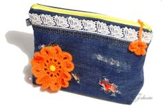 Täschchen aus aussortierter Kleidung / Pouch made from discarded clothes Upcycling