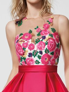 Imagem do vestido de festa rosa vestido gleda curto sem mangas Flower Dresses, 15 Dresses, Summer Dresses, Frock Fashion, Fashion Dresses, Pink Cocktail Dress, Floral Chiffon, Designer Dresses, Evening Dresses